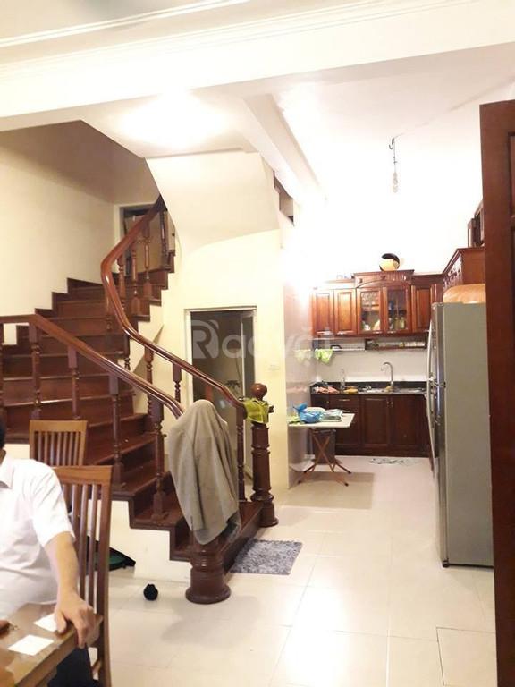 Bán nhà Hoàng Văn Thái, 42m2, 5 phòng ngủ, giá 3.4 tỷ