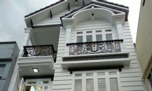 Gia đình cần bán nhà ngõ 118 Nguyễn khánh Toàn DT 60m2,MT5m Giá 13.5