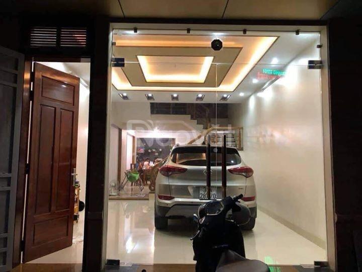 Cần bán nhà gấp ngõ  88 ôtô Trần Duy Hưng 5 tầng giá 7.2 tỷ