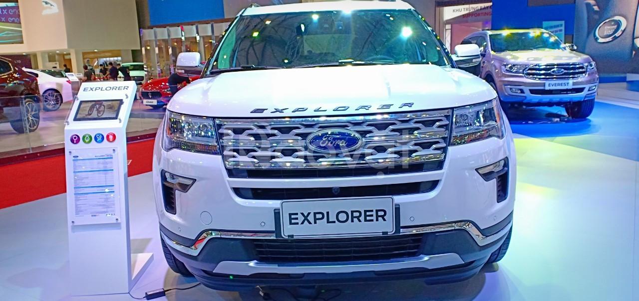 Ford Explorer mới, giá tốt tặng ngay phụ kiện giá trị