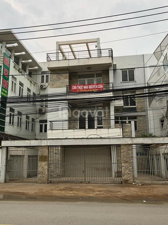 Văn phòng, mặt bằng kinh doanh mặt đường Lương Định Của, quận 2 900m2