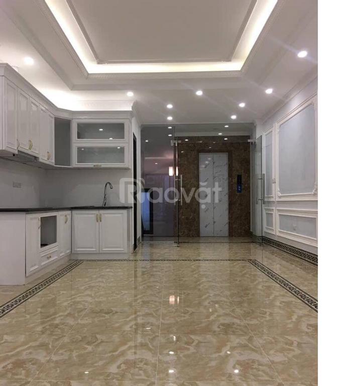 Bán nhà phố Thái Hà, phân lô, thang máy, DT 60m2