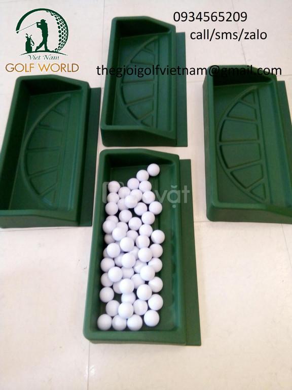 Khay đựng bóng golf bằng nhựa