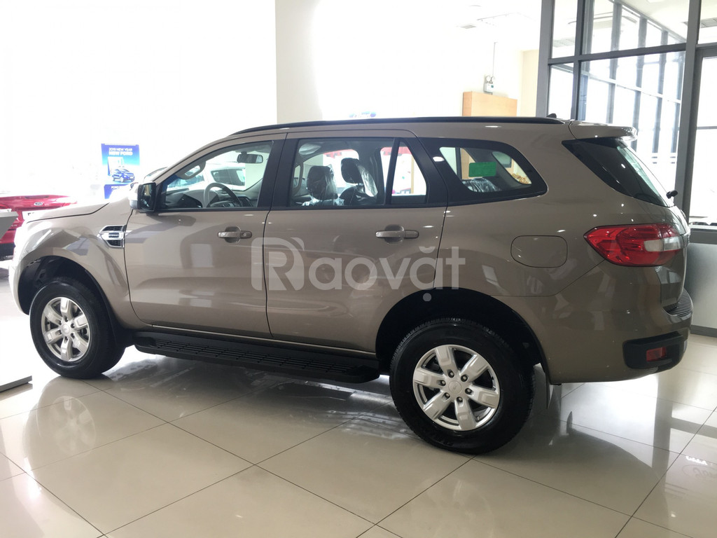 Ford Everest giao ngay