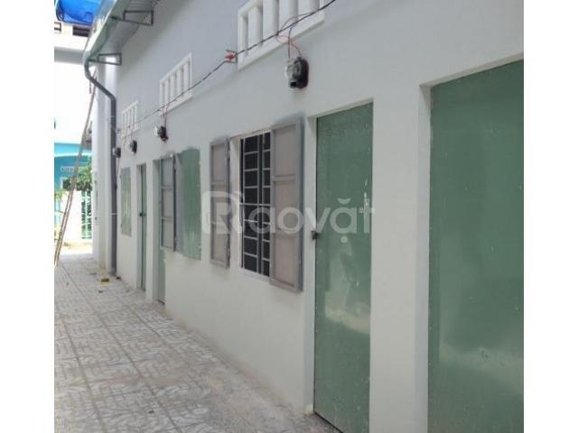 Cần bán dãy trọ cổng KCN Thuận Đạo,12 phòng giá 1,85 tỷ, sổ hồng ngay