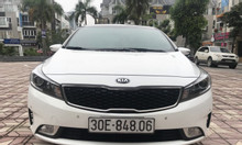 Bán Kia Cerato 1.6AT màu trắng model 2018
