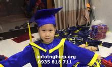 Lễ phục tốt nghiệp mầm non tiểu học.