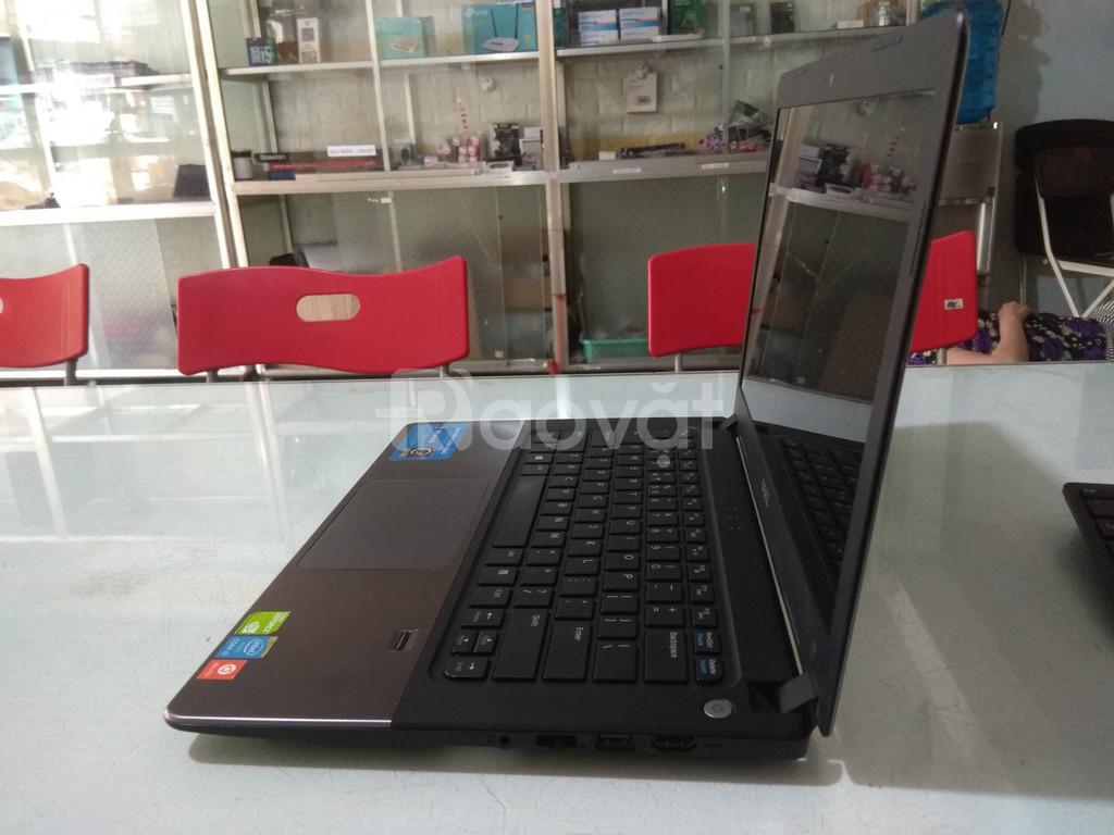 Bán Laptop Dell V5480/i5-5200U/VGA rời 2GB nhỏ gọn, giá tốt