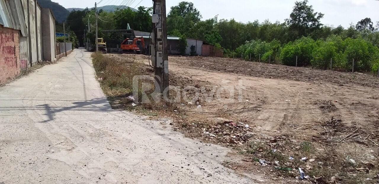 Bán đất mặt tiền Tóc Tiên - Hắc Dịch, 10x30m, giá 3,2 tỷ