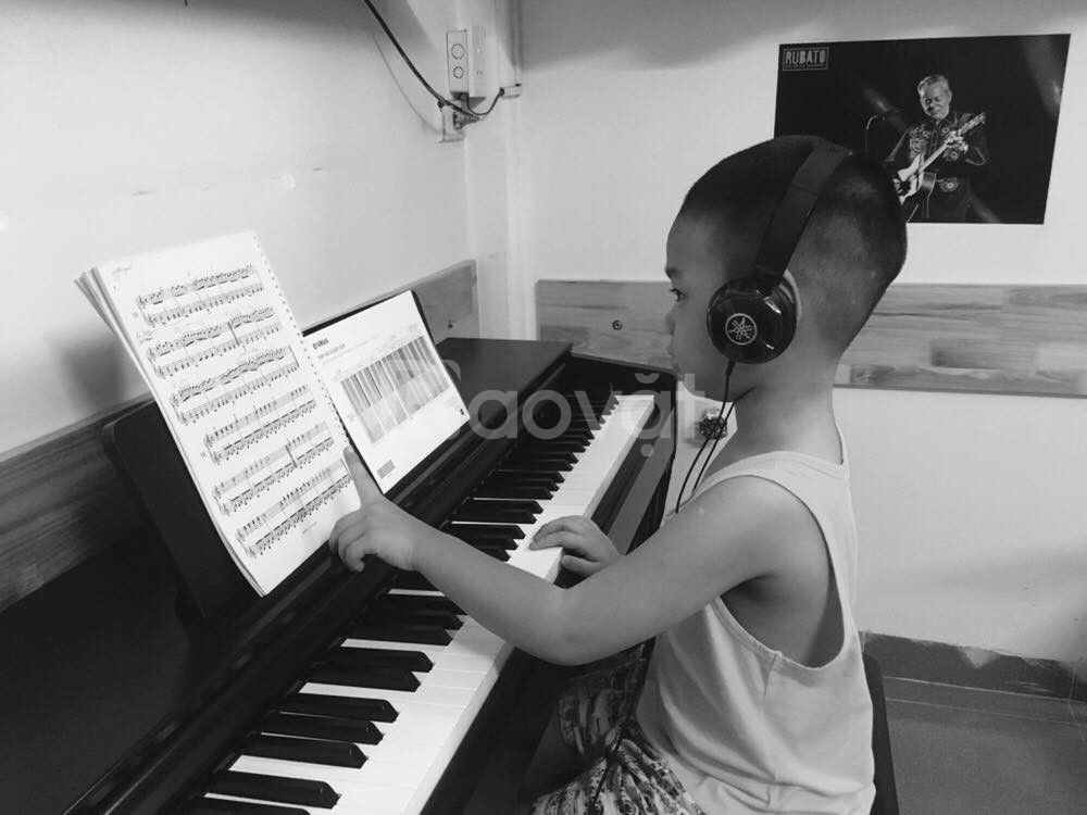 Dạy Piano và Guitar cho trẻ em