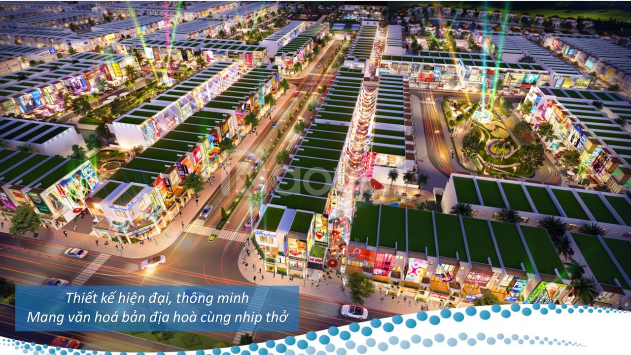 Tham quan KN Paradise khi xuống sân bay QT Cam Ranh tham dự Festival