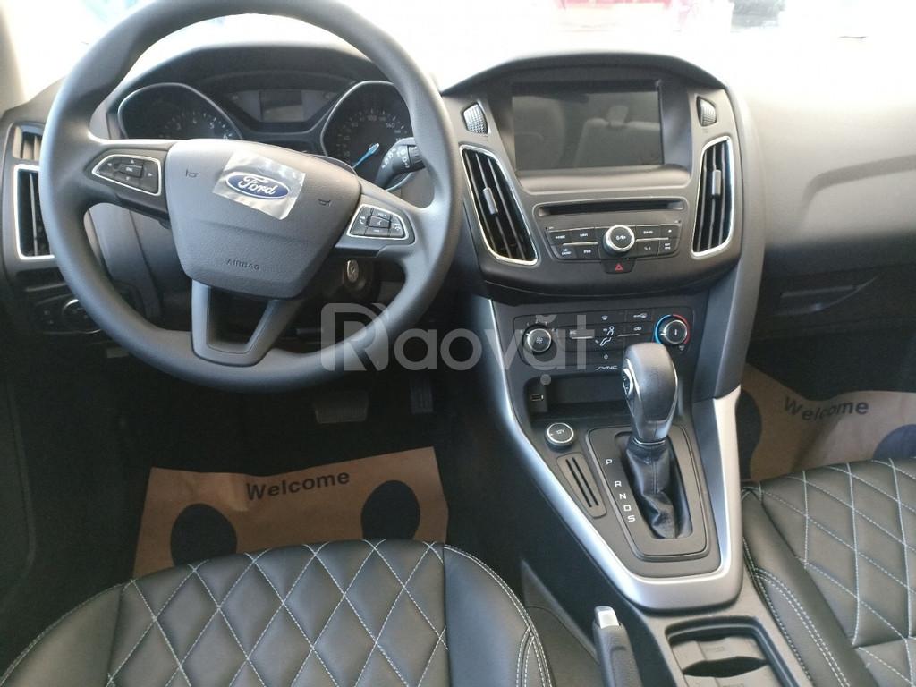 Ford Focus, giá tốt thị trường, nhận ngay quà hấp dẫn khi liên hệ