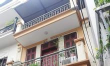 Cho thuê nhà 3 tầng rộng tại Nguyễn Khang Cầu Giấy đầy đủ nội thất