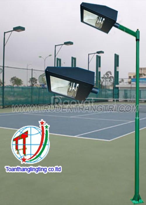 Trụ đèn chiếu sáng sân tennis, sân bóng đá mini giá rẻ
