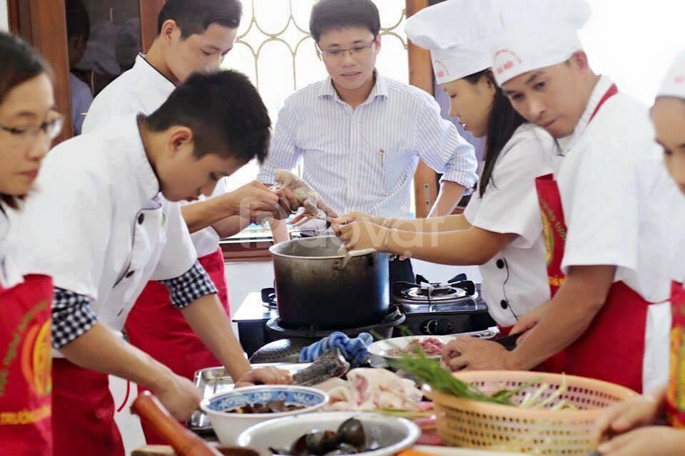 Học nấu ăn gia đình
