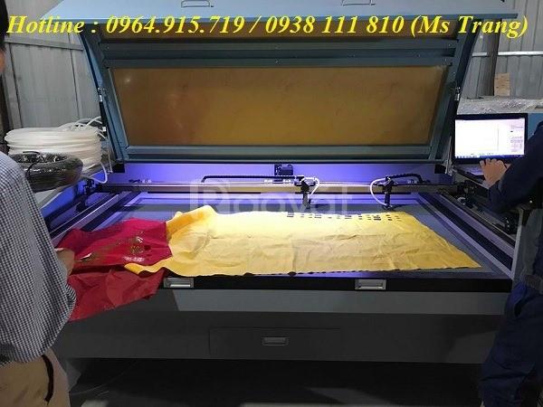 Máy laser cắt khắc gỗ, máy laser 1810 2 đầu cắt vải