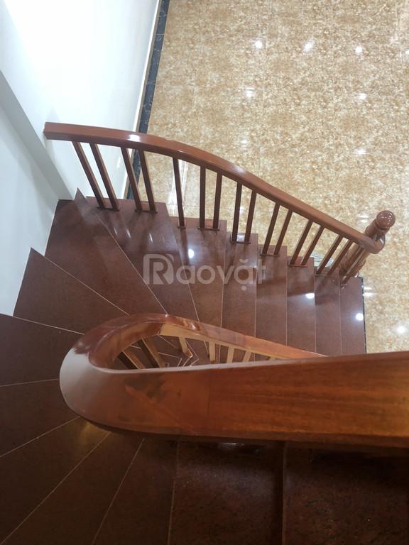 Chính chủ bán nhà ngay ngã tư Minh Khai, ngõ Hòa Bình 7 DT 40m2x5T giá 3.85 tỷ