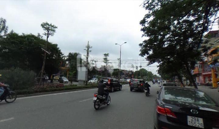 Cho thuê nhà mặt phố Nguyễn Khánh Toàn 205m2x 3 tầng