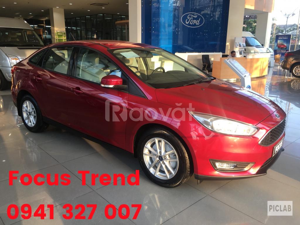 Ford Focus KM tiền mặt