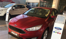 Ford Focus KM tiền mặt