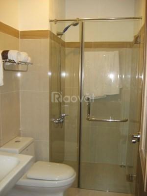 Gia đình cần cho thuê căn hộ 60 Hoàng Quốc Việt, 117m2, 3PN, giá 10 tr