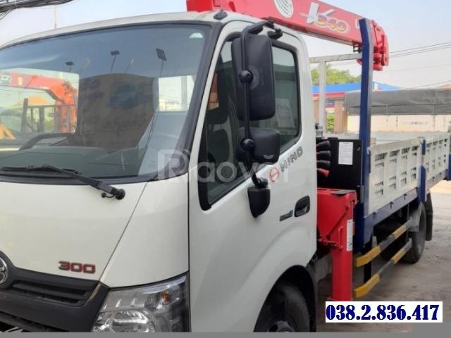 Bán xe tải cẩu Hino 3 tấn XZU720l gắn cẩu unic urv343