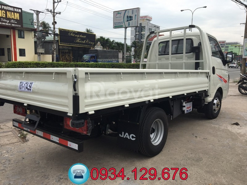 Bán xe tải Jac 1 tấn máy dầu thùng dài 3.2 mét trả trước 40tr