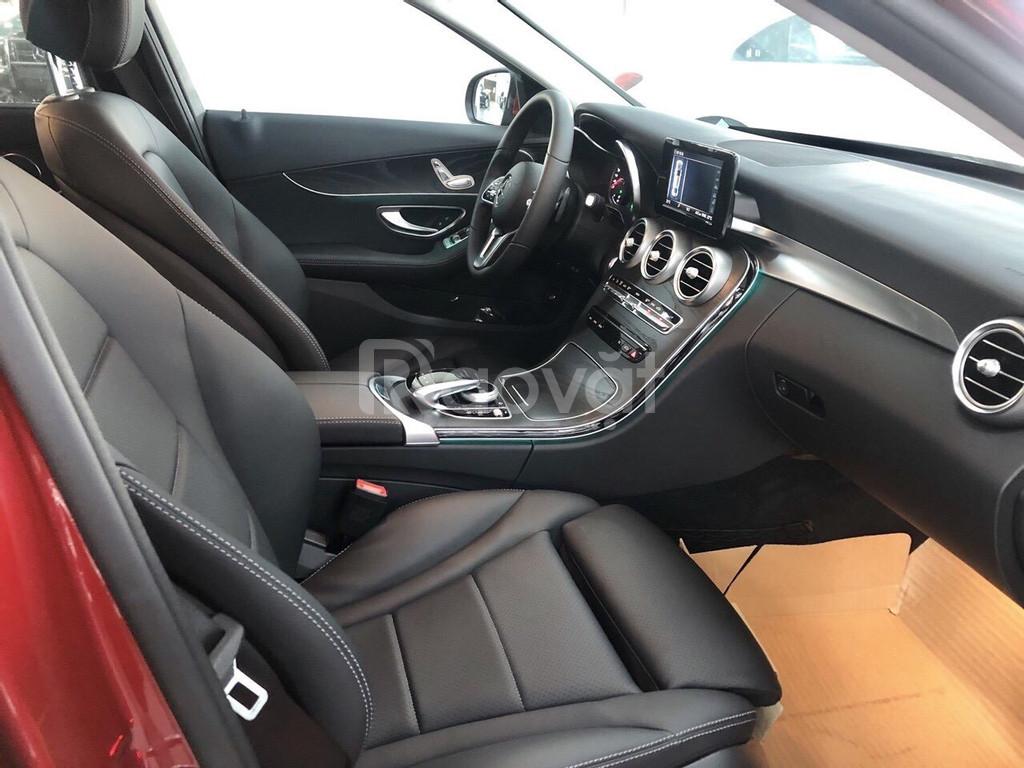 Xe Mercedes C200 2019: giá lăn bánh, thông số, khuyến mãi T11/2019