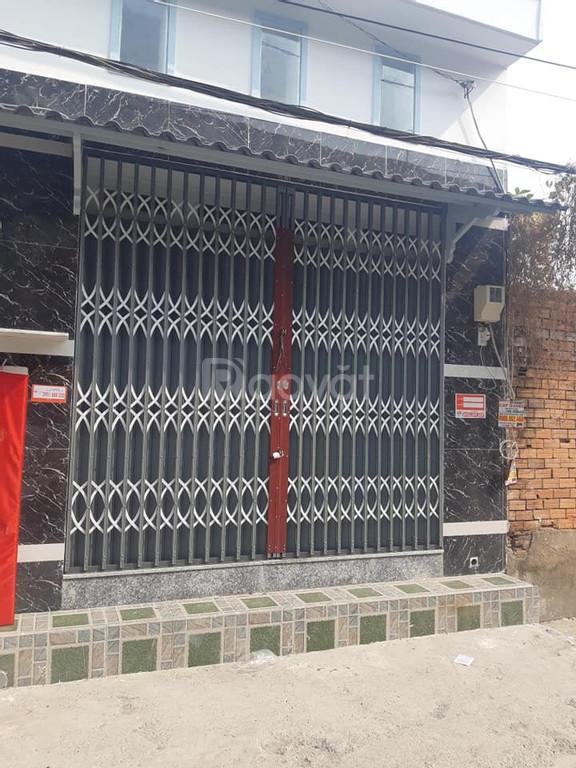 Bán gấp căn nhà đúc 1 trệt,1 lửng ,đối diện trường THCS Đồng Đen