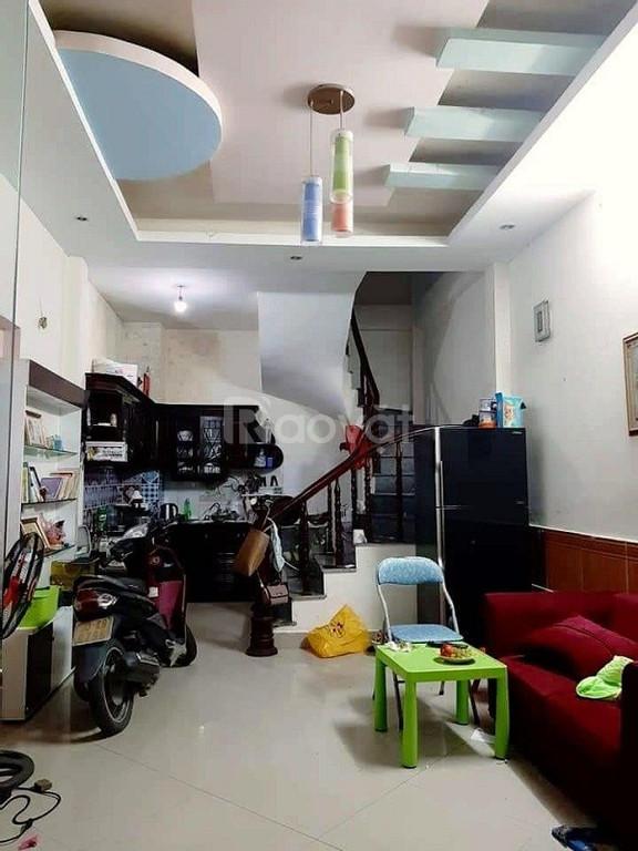 Bán nhà Trương Định ở luôn, gần chợ, gần trường học 45mx2.5 tỷ