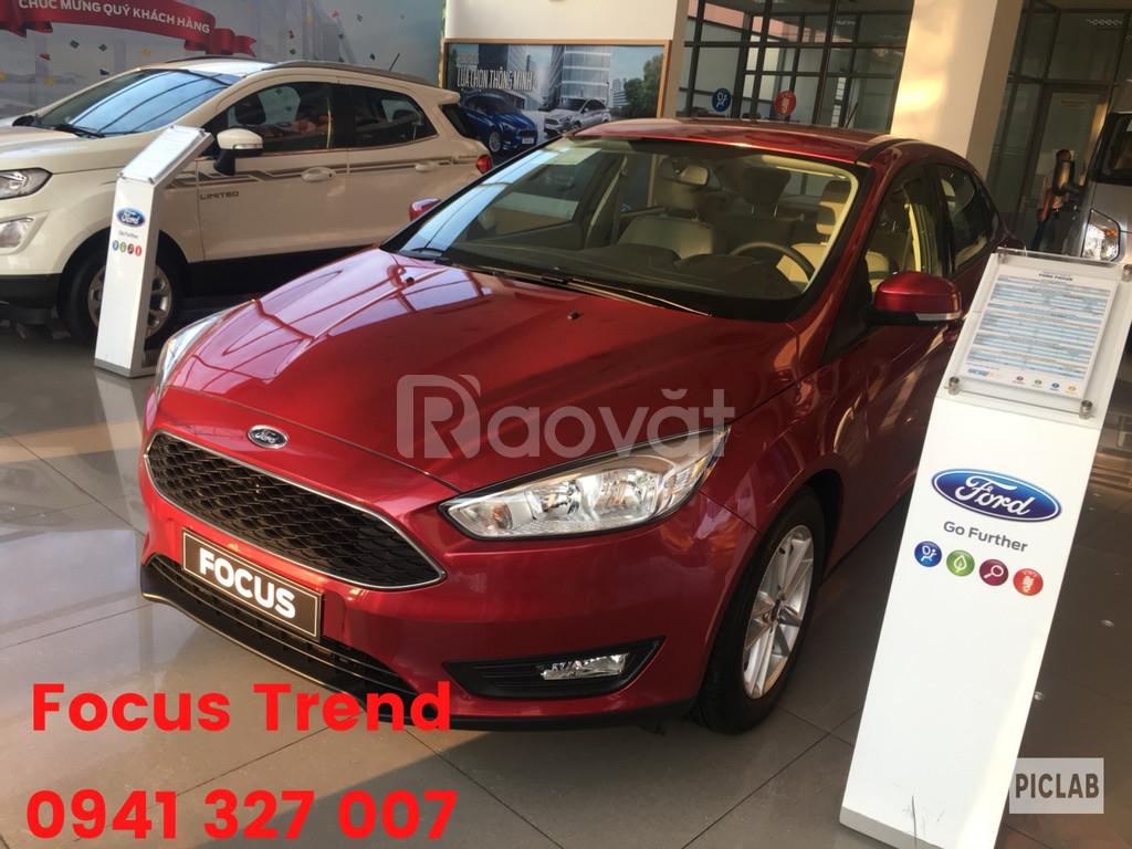 Ford Focus giảm giá khủng