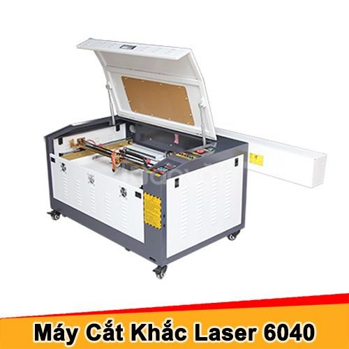 Máy khắc laser 6040 cắt khắc ví da bằng laser