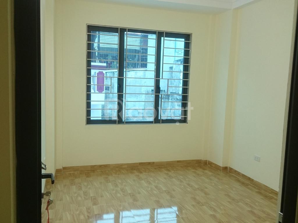 Cần bán nhà xây mới ngõ Hòa Bình 7, 40m2x5T, 6 phòng ngủ giá 3.85 tỷ