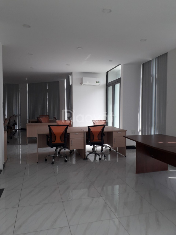 Cho thuê phòng làm việc tại Thủ Đức 37m2 dành khoảng 12 người