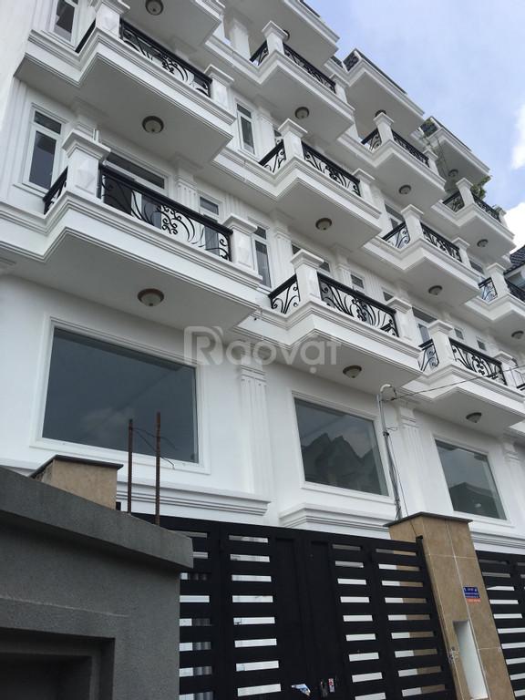 Bán nhà 3 tầng, gần chợ, gần Gò Vấp. giá 3.6 tỷ sổ hồng riêng.