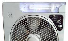 Quạt tích điện panasonic 6969có đèn chiếu sáng kèm 2 bình acquy