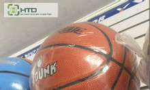 Móc treo bóng đá, bóng rổ, móc treo mũ nón trưng bày dành cho shop