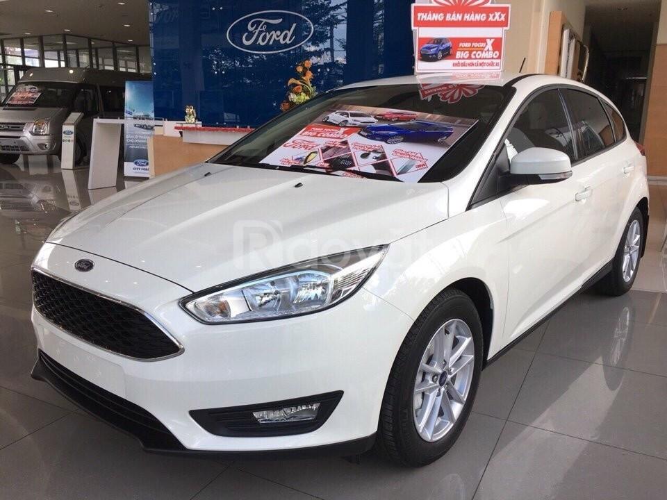 Ford Focus, tặng ngay combo phụ kiện hoặc giảm trực tiếp tiền mặt