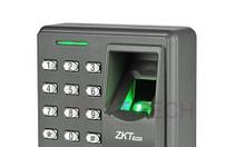Thiết bị kiểm soát cửa ra vào bằng vân tay và thẻ ZKTeco X7