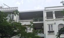 Cần bán nhà phố khu Hưng Gia ở Phú Mỹ Hưng, Quận 7 đường lớn giá rẻ