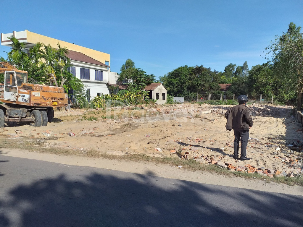 Đất mặt tiền dũng sĩ Điện Ngọc, DT 135m2, giá 3 tỷ