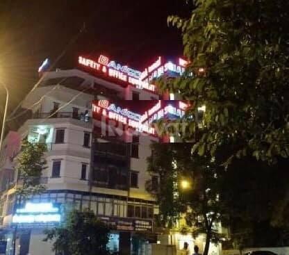 Cho thuê nhà mặt phố 118 Nguyễn Khánh Toàn DT 200m, giá 80tr, nhà hàng