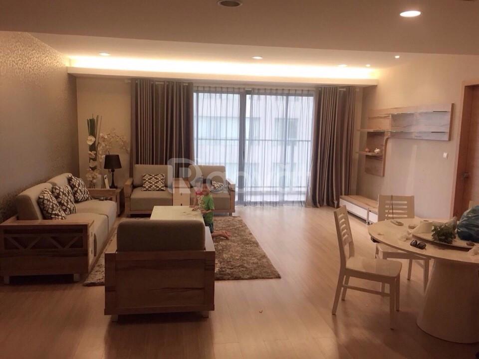 Bán gấp 3 phòng ngủ 94m2- CC Nghĩa Đô, 106 Hoàng Quốc Việt , giá 3 tỷ