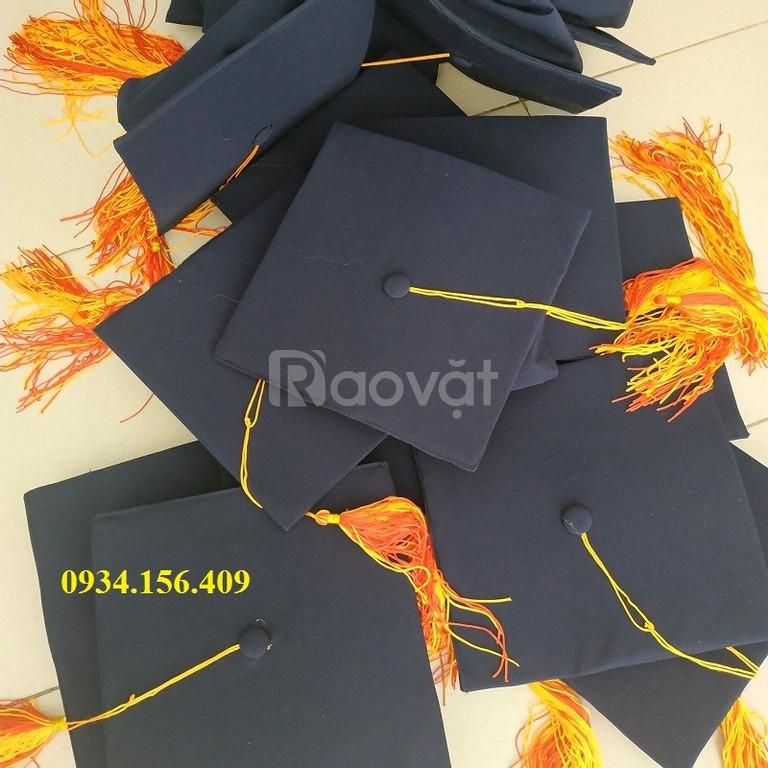 Xưởng may lễ phục tốt nghiệp đại học sinh viên