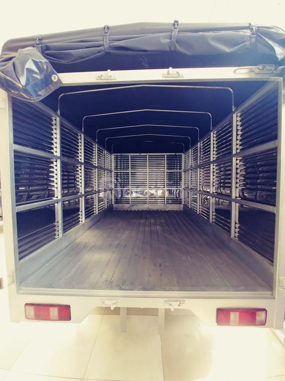 Xe tải Tera 100 thùng kín giá rẻ chỉ 235tr