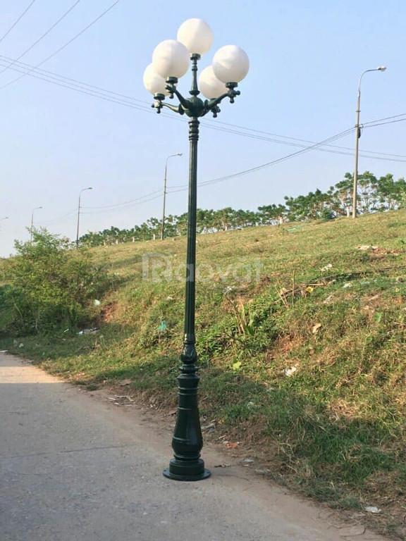 Trụ đèn sân vườn nhiều mẫu mã giá cạnh tranh