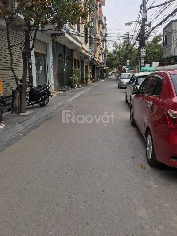 Bán nhà Phố Chùa Bộc diện tích 65m2 mặt tiền 4m2 gara ô tô kinh doanh