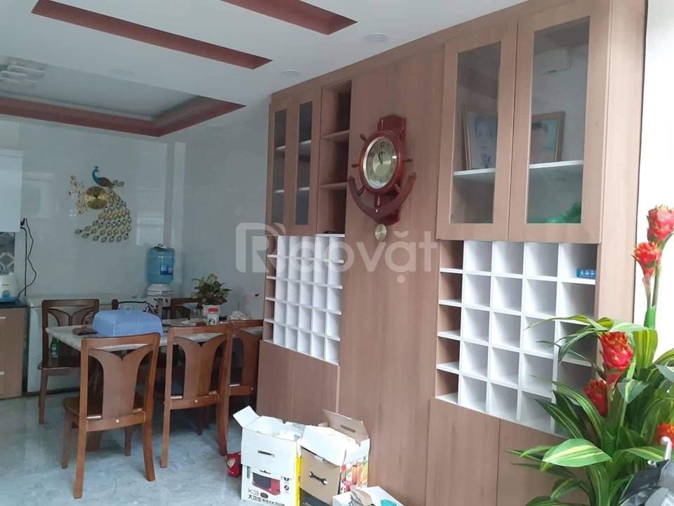 Bán gấp nhà hẻm 4m Lê Quang Định, 4 tầng, 69m2, giá 6,4 tỷ
