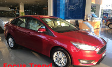 Ford Focus giam giá sâu, KM khủng