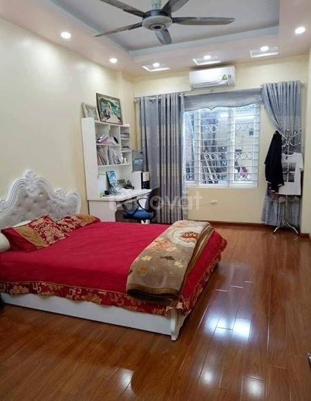 Bán nhà đẹp 5 tầng phố Tây Sơn ngõ 2.5m gần đường ô tô giá 3.4 tỷ.